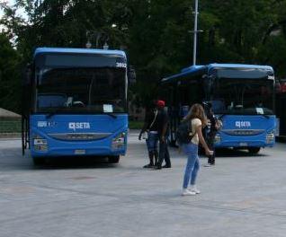 Leggi: «Nuova linea di autobus per portare…»